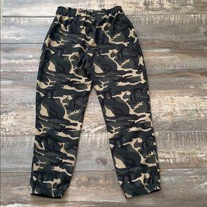 😊2/25 Shinestar army pants very cute